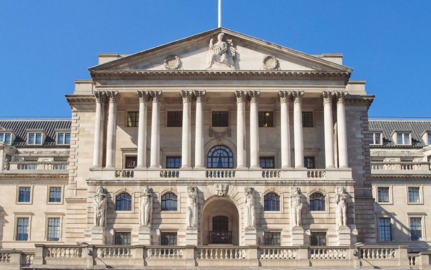 Bank of England Hangs Back on Further Quantitative Easing